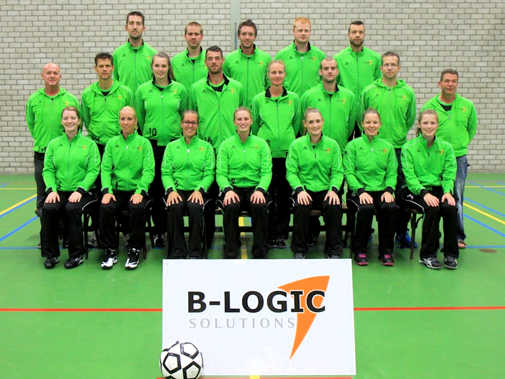 Korfball team sponsored by B-Logic